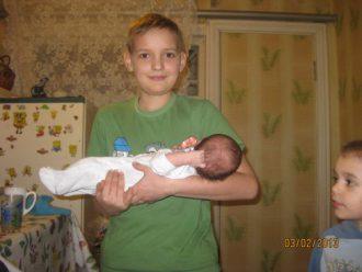 Белый Владислав с сестричкой